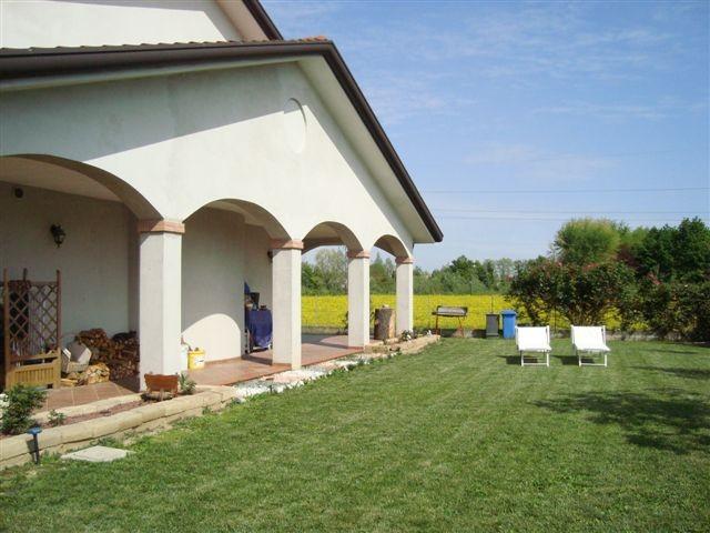 Casa singola in vendita a monteprandone centobuchi - Vendita terra da giardino ...